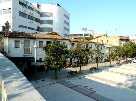 800px-Barriada_Pi_i_Maragall,_conjunt_del_carrer_Sant_Llorenç-1