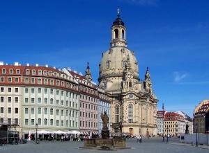 Dresden_Neumarkt_Türkenbrunnen_Frauenkirche